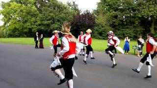 preview picture of video 'Bristol Morris Men - Room for the Cuckoo.mp4'