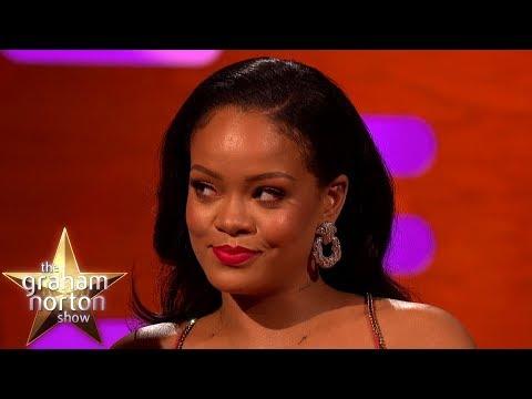Rihanna: krádeže skleniček a legendární šaty - The Graham Norton Show