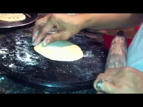 Video cara masak prata (makanan india)