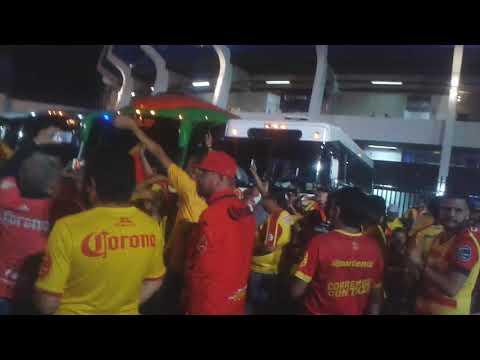 """""""Locura 81 en queretaro"""" Barra: Locura 81 • Club: Monarcas Morelia"""