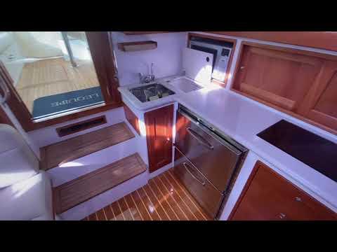 MJM Yachts 40z Express video