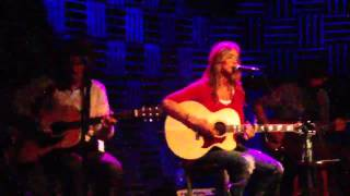 Chely Wright at Joe's Pub 4 of 6 - Hang out in your heart (ending)