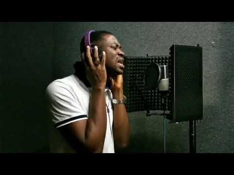 Lateef Adedimeji shows his singing skills rate him