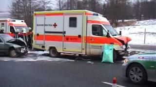 preview picture of video 'Sanka gegen Pkw: Vier Verletzte bei Kemnath'