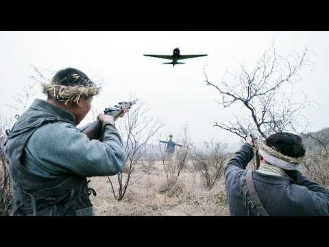 中國獵人在極度憤怒的情況下,竟用機槍打下日軍戰鬥機,親手為戰友復仇!