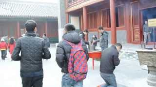 preview picture of video '(RAW) Asia Trip: Beijing - Lama Temple 2'
