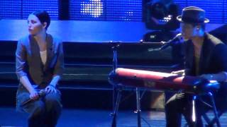 Bruno Mars und Skylar Grey - It will Rain - Jahrhunderthalle Frankfurt 2011- High Quality Mp3