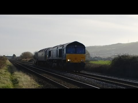 DRS 66302 & Northern Belle 57305 pass Prestatyn with Nuclear…