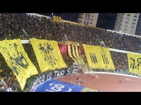 """The Strongest 3-2 Bolívar (DESDE LA CURVA SUR)"" Barra: La Gloriosa Ultra Sur 34 • Club: The Strongest • País: Bolívia"
