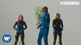 Anitta With Ludmilla And Snoop Dogg Feat. Papatinho   Onda Diferente