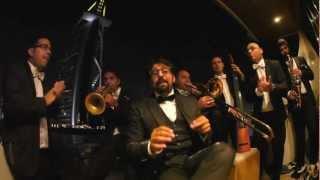 preview picture of video 'Buonasera Signorina LASTMINUTE - Mark Zitti e i Fratelli Coltelli - DUBAI ( Burj Al-Arab ) on Boat'