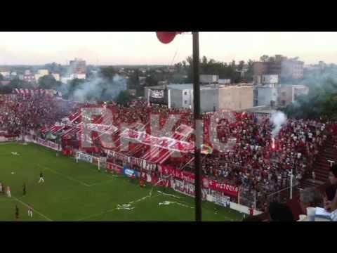 """""""RpkdC - El hincha de San Martin metiendo fiesta mientras el equipo queda eliminado."""" Barra: La Banda del Camion • Club: San Martín de Tucumán"""