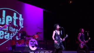 Joan Jett- Do You Wanna Touch Me- Madison Theatre at Molloy College