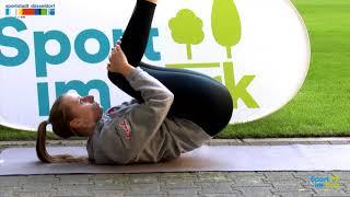Fitness-Yoga mit Kristina und Hockeynationalspielerin Elisa Gräve
