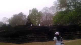 preview picture of video 'Wat Kamphaeng Phet Historical Park Thailand Video Review.12'