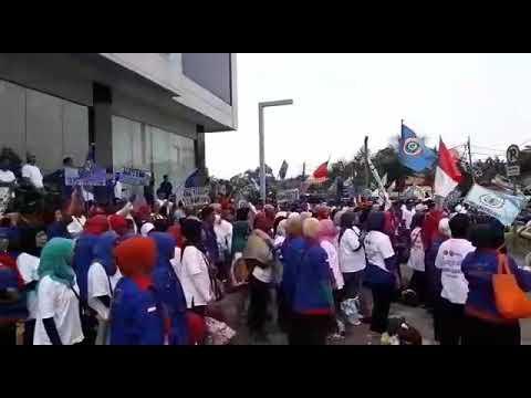 Lansia Mantan Pegawai PT Sandratex, Unjuk Rasa di Pemkot Tangsel, Minta Bantuan Wali Kota