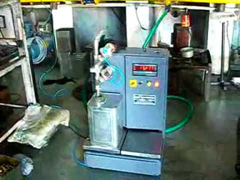 Oil Jar Filling Machine