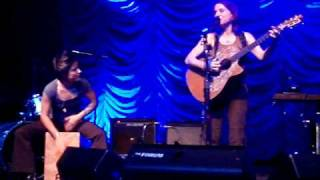 Ani Difranco - Present/Infant (Live The Forum 29 Oct 2008)
