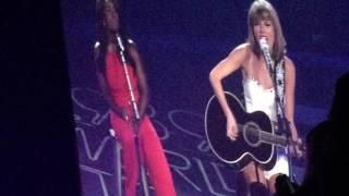 Taylor Swift & Uzo Aduba - White Horse (Live)