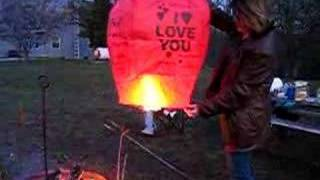 How to light a sky lantern