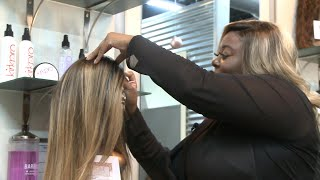 Tennessee Hair Stylist Giving Free Wigs to Cancer Patients