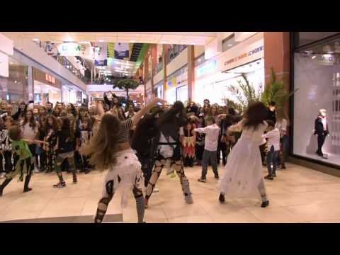 """Thriller"" Flash Mob Constanta 