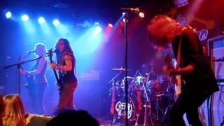 Cherri Bomb - Chain Reaction - Shake The Ground