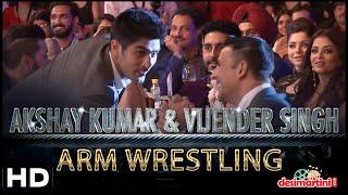 Akshay Kumar & Vijender Singh Arm Wrestling | Hindustan Times Most Stylish Awards, Delhi | 2016