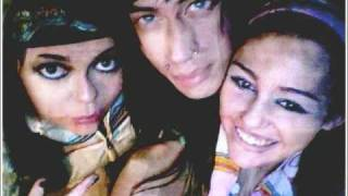 Miley and Trace Cyrus:Hovering (Lyrics)
