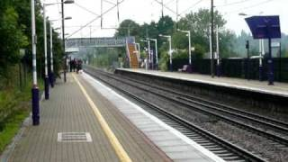 preview picture of video 'Deltic 55022 on ECML through Welwyn N. Station, 11.09.10'
