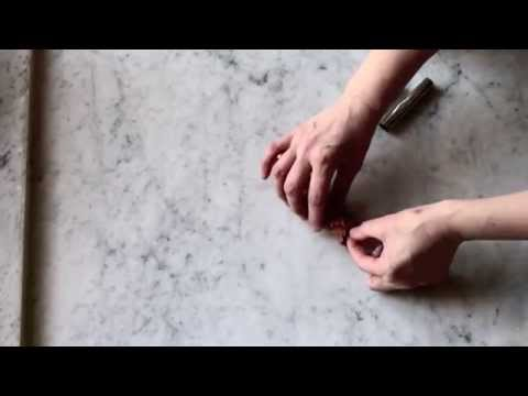 Dolori di pietra di pollice di gamba