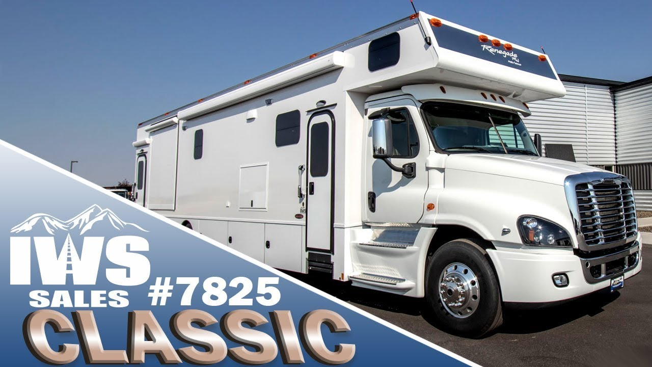 2019 Renegade Classic w/ Custom Mudroom – Freightliner Cascadia Chassis