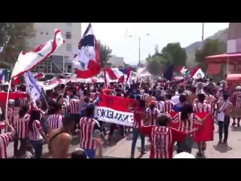 """Caravana chivas jaguares (1) 2015 // La irreverente - La banda de chivas - LFDG"" Barra: La Irreverente • Club: Chivas Guadalajara"