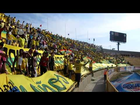 """""""La Banda Heroik 99 Alentando vs pasto"""" Barra: Rebelión Auriverde Norte • Club: Real Cartagena"""