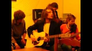 Video LetRouRou unplugged - Mojo Working (Muddy Waters cover)