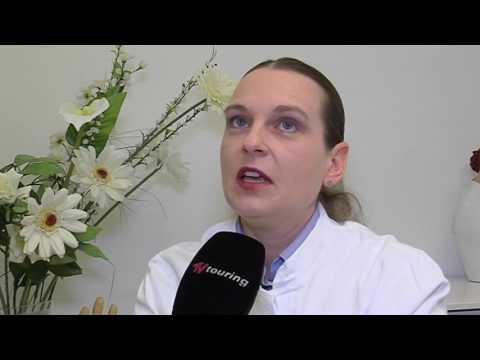 Die Behandlung atopitscheskogo der Hautentzündung der Billardstöcke
