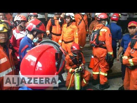 Indonesia ?? Stock Exchange floor collapses, many injured