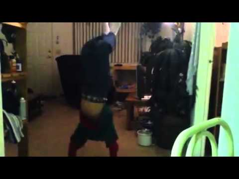 Mom videos hand stand - YouTube.flv