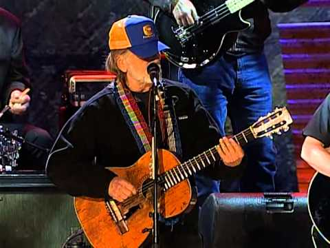 Willie Nelson - Living in the Promiseland (Live at Farm Aid 2004)