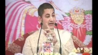 H.H SRI PUNDRIK GOSWAMI JI MAHARAJ Rurki Katha Day 4 Part-8.mpg