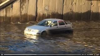 Затопило дорогу на ул. Землячки