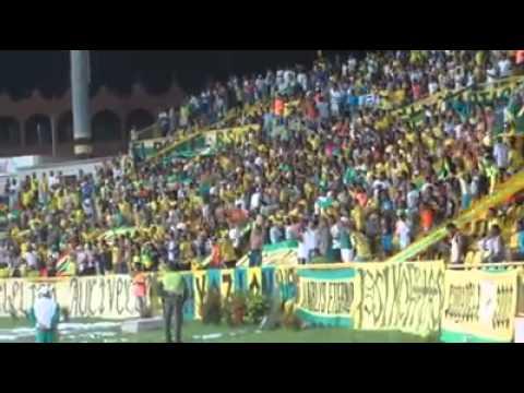 """""""Y vamos real no podemos perder"""" Barra: Rebelión Auriverde Norte • Club: Real Cartagena"""