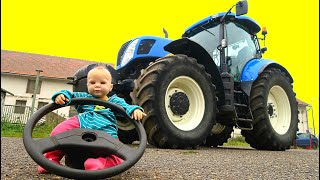 The  steering wheel fall off on Tractor! Mommy Playing with Tractors need Help