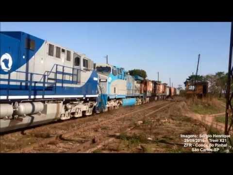 Trem X21 passando em Conde do Pinhal [IPHONE CAM]