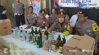 Razia Jelang Tahun Baru, Polisi Amankan Ratusan Petasan dan Botol Miras di Kota Tegal