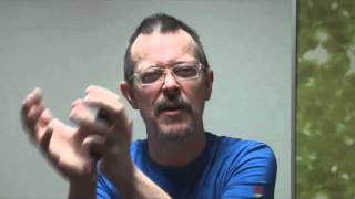 Daily Easy English Expression - Lesson: To sell SOMEONE out