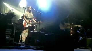 Angus & Julia Stone - Black crow @ Nuits de Fourvière 2011