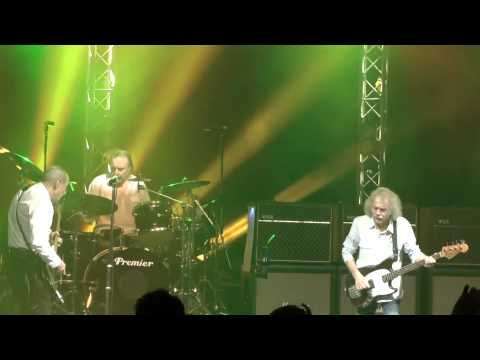Status Quo-Don't Waste My Time (Live Hammersmith Apollo 15/03/2013)