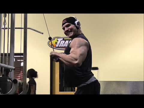 Triceps Training - Straight Bar Cable Extension