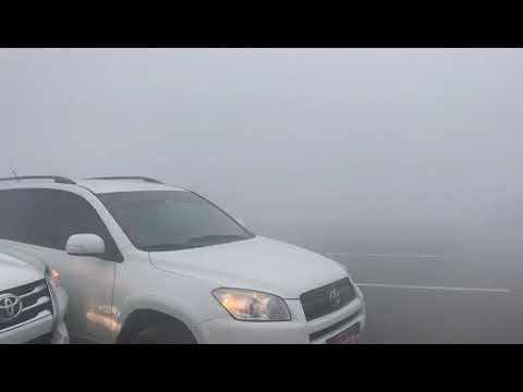 В условиях тумана грузовик разнес пробку из дорогих автомобилей в  Дубае